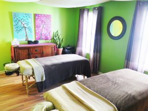 couples massage treatment room